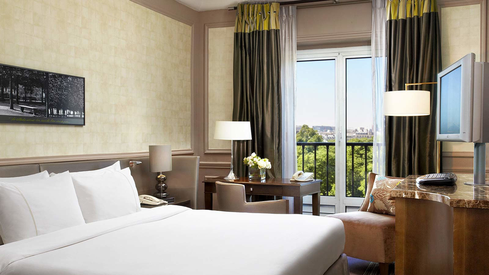 Номер с видом in Westin Paris — Vendôme